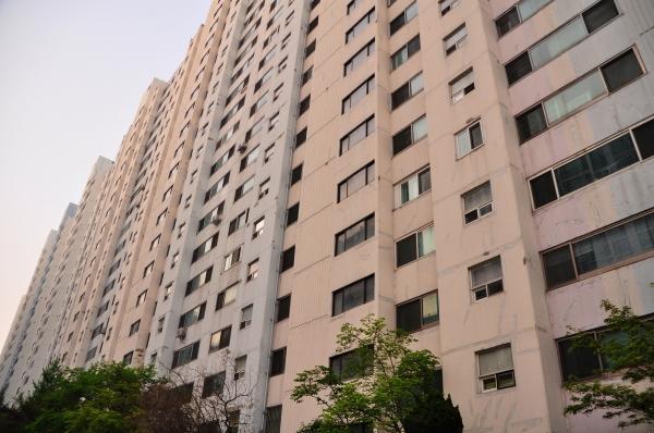 One massive apartment building. Kinda reminded me of Judge Dredd