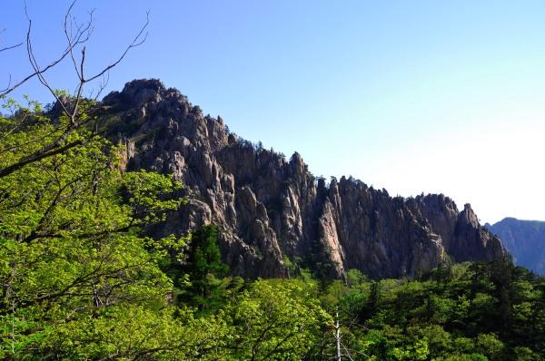 Dinosaur Ridge: Seoraksan National Park