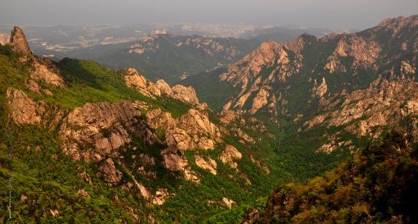 Stunning view of Seoraksan National Park from the top of Dinosaur Ridge