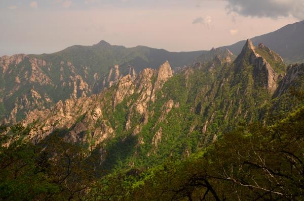Seoraksan's Dinosaur Ridge #1