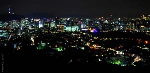 Night view of Seoul from Bukaksan